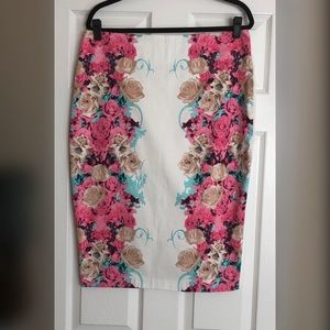 Kardashian Kollection Floral Skirt 🌸